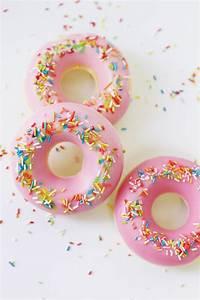 Seife Mit Kindern Herstellen : seife selber machen in donut form originelle diy geschenkidee ~ Lizthompson.info Haus und Dekorationen