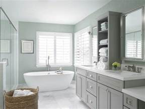 Hampton Bay Shaker Wall Cabinets by 17 Beautiful Coastal Bathroom Designs Your Home Might Need
