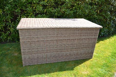 xl cushion box cotswold