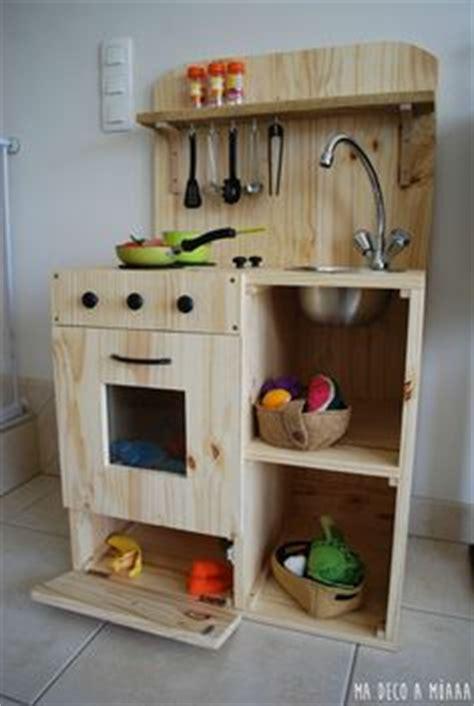 charni鑽e meuble cuisine cuisinière en bois pour enfant fait maison diy cuisines enfants