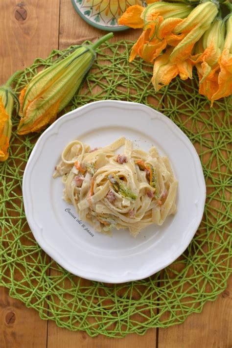 pasta con fiori di zucca e pancetta fettuccine ai fiori di zucca e pancetta