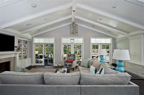 24 Living Rooms With Vaulted Ceilings