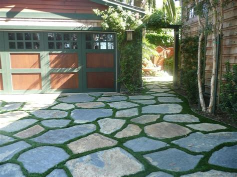 Paving Ideas For Backyards by Ten Cool Things You Can Do With Pavers