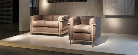 le corbusier canapé fauteuil et canapé lc2 le corbusier jeanneret perriand