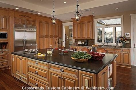 maple colored kitchen cabinets 25 best images about kitchen designs on oak 7347