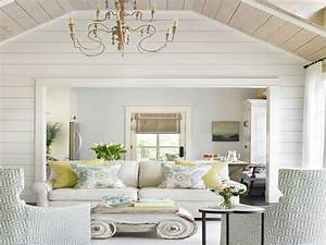 Wainscoting dining room, shiplap walls in old houses