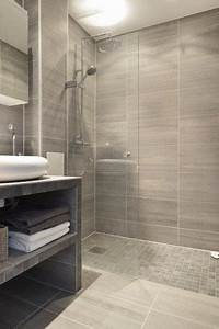 32 walk in shower designs that you will love digsdigs With carrelage adhesif salle de bain avec led mirror lights
