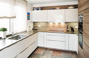 Weiße Hochglanz Küche Reinigen : bilder von plana kundenk chen jetzt inspirieren lassen ~ Markanthonyermac.com Haus und Dekorationen