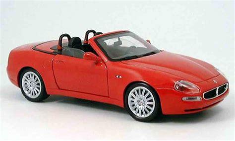 red maserati spyder maserati gt spyder red 2003 burago diecast model car 1 18
