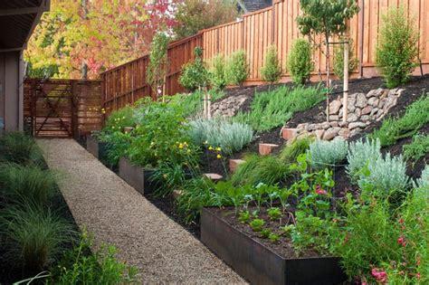 turn  steep backyard   terraced garden