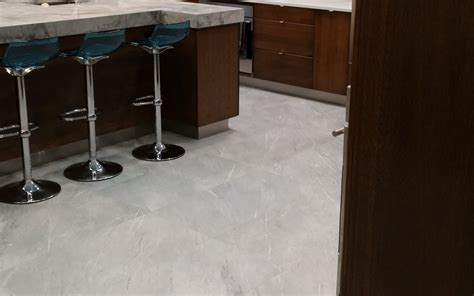 what is best cleaning product to clean tile and grout