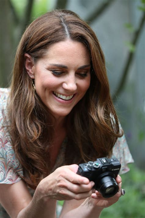 Get the latest on the duchess of cambridge. KATE MIDDLETON at Photography Workshop for Action for Children in Kingston 06/25/2019 - HawtCelebs