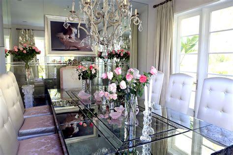 lisa vanderpumps villa rosa  real housewives  beverly hills