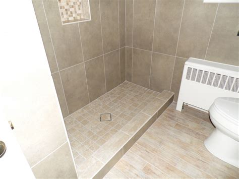 Laying Floor Tile In Bathroom by 25 Wonderful Ideas And Pictures Ceramic Tile Murals For