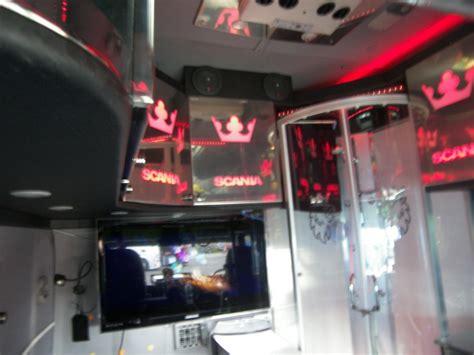 camion americain interieur cabine nuts festival truks bastogne 2011 06 et 07 aout 2011 camions rc fr