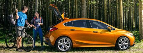 How Much Room Is In The 2017 Chevy Cruze Hatchback?