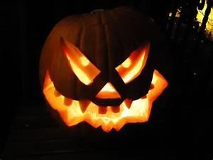 Kürbis Bemalen Gesicht : das kreuz und halloween die legende von jack oldflied holynetwork ~ Markanthonyermac.com Haus und Dekorationen