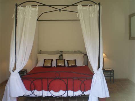rideaux pour lit baldaquin meuble de salon contemporain