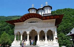 Manastiri, biserici si castele - google
