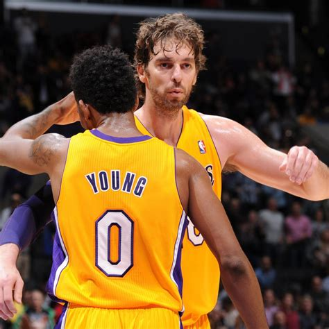 Is This What Rock Bottom Looks Like for Los Angeles Lakers ...