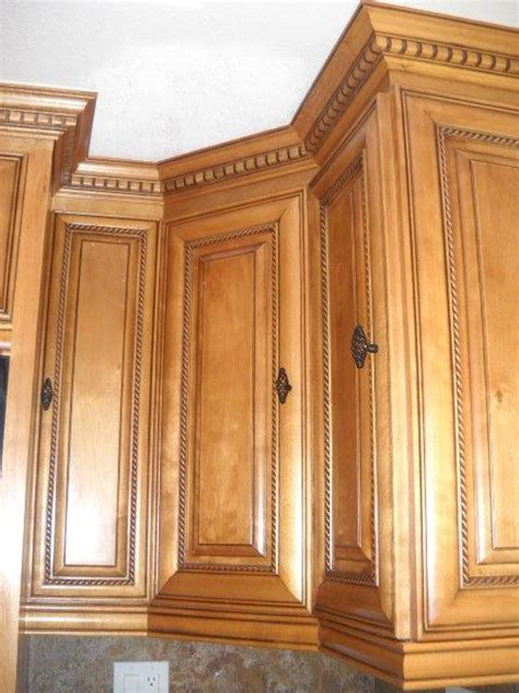 Kitchen cabinets with dentil molding ? Cabinet Wholesalers