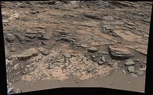 NASA's Curiosity Mars rover studies rock-layer contact zone