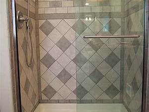 Bathroom bath wall tile designs with big mozaic design