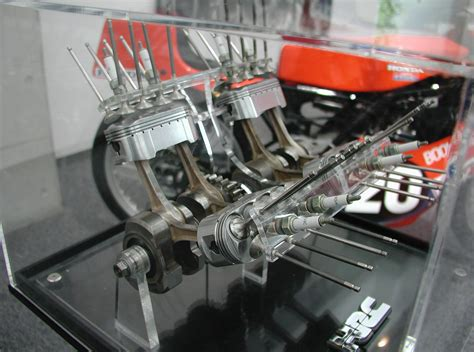 Honda Oval Piston 750 Had Four Oval Cylinders With 8