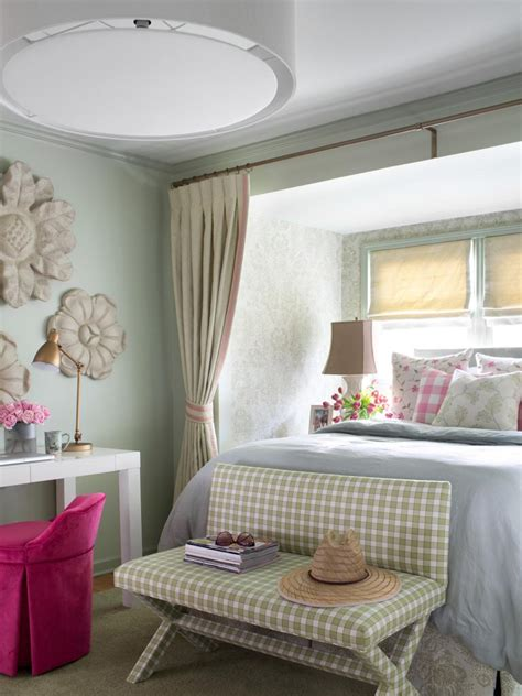 Cottagestyle Bedroom Decorating Ideas  Hgtv. Texas Home Decor. Decorative Plate Holders. Yellow Duck Party Decorations. Kids Room Decor. Hotels With Jacuzzi In Room Orlando Fl. Beach House Decorating Ideas. Wall Decorating Ideas. Moroccan Party Decorations