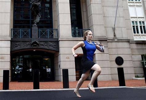 reporter  blue dress ided  cassie semyon caught