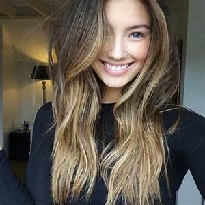 Balayage Cheveux Bouclés : balayage blond ou caramel pour vos cheveux ch tains ~ Dallasstarsshop.com Idées de Décoration