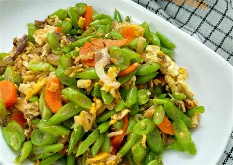 Adalah orak arik telur yang di kombinasikan dengan sayuran segar untuk lebih menghasilkan aroam yang sesungguhnya dari olahan tersebut. Resep Orak-arik Buncis simple oleh winapinta - Cookpad