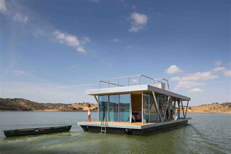 Houseboat Manufacturers by 6 Modular Houseboat And Floating Home Manufacturers Around