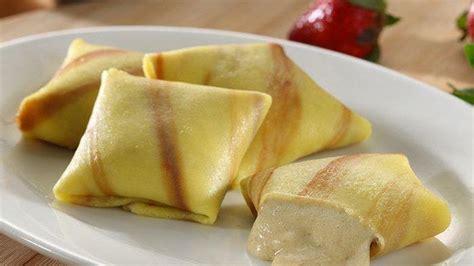 Pancake bisa menjadi sajian selain kue kerangjang, yang bisa disuguhkan di atas meja dengan kreasi warna warni dan taburan topping yang menggugah langsung saja simak resep pancake berikut ini. MPASI 13 Bulan: Resep Banana Pancake yang Kaya Nutrisi - MPASI.ORG