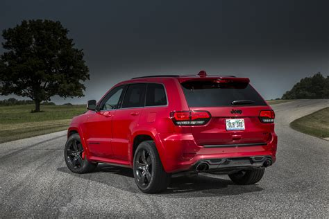 srt jeep 2015 jeep grand cherokee srt adds 5hp red vapor special