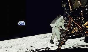 Man On Moon Apollo - Pics about space