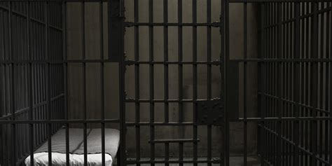 foto de Report: Courts sentence Indians to longer jail terms The