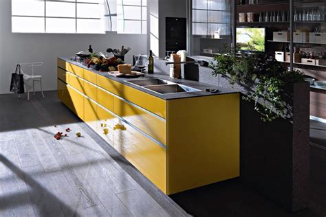 Artematica Vitrum yellow by Valcucine   STYLEPARK