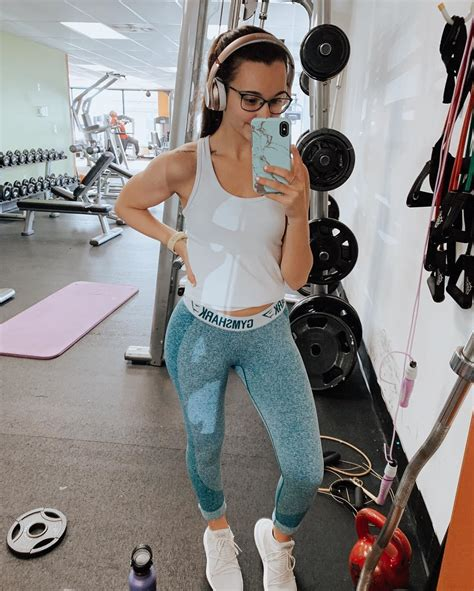 Gym Shark Leah In Super Tight Jeggings Doing Selfies
