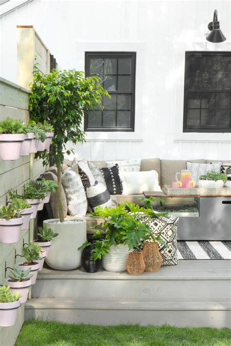 Outdoor Decor by 17 Best Farmhouse Outdoor Decor Ideas And Designs For 2019