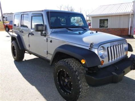 crashed jeep wrangler sell used 2013 jeep wrangler auto 4 door 4wd repairable