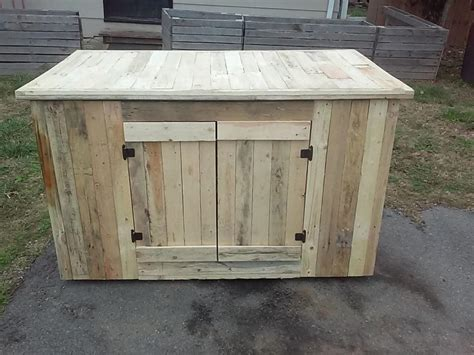 Kitchen Cabinet Doors From Pallets by Diy Pallet Sideboard Or Kitchen Cabinet