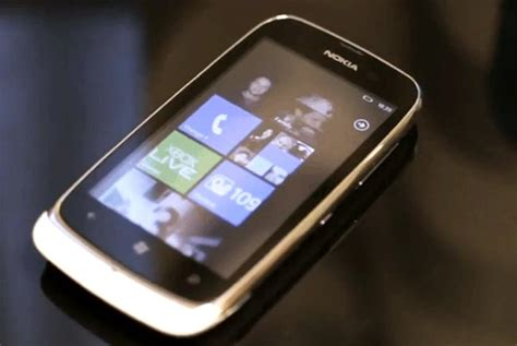 nokia dropping support for skype app on lumia 610