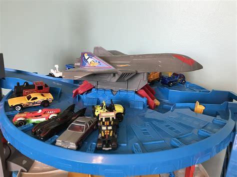 Wheel Garage by Wheels Ultimate Garage The Roarbotsthe Roarbots