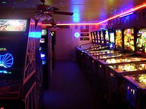 AMAZING 80'S HOME ARCADE GAME ROOM - PINBALL & VIDEO GAMES