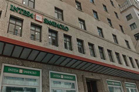 Filiale Intesa Intesa Sanpaolo Aperta Filiale Banking A Genova