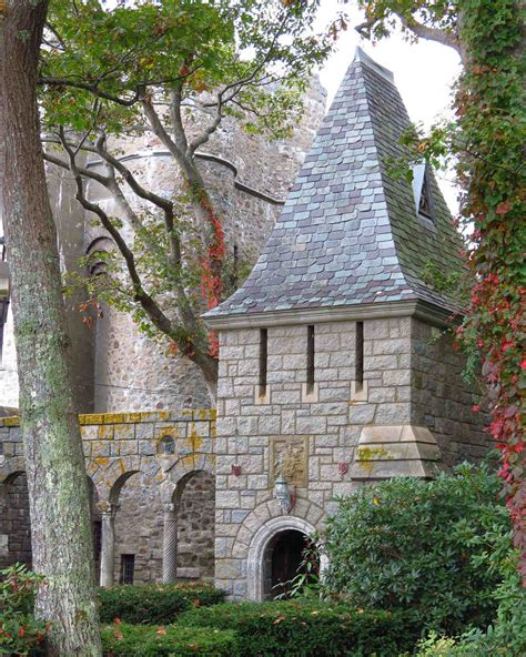 fairy tale castle wedding venues  america martha
