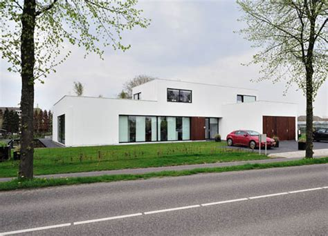bureau direct nieuwbouw architect amsterdam bob ronday modern villa