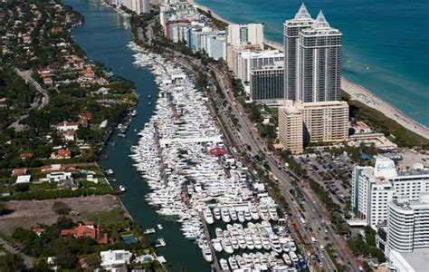Boat Show Miami 2018 Collins by Say Quot Hello Quot At The 2015 Miami Yacht Show Atlantic Yacht