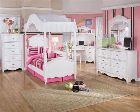kid bedroom stripe pattern and white bedroom furniture set